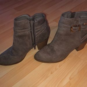 Size 8 express boots